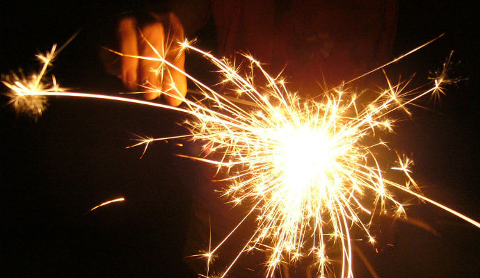 Firework Safety Tips for Single-Family Property Managers [Infographic]