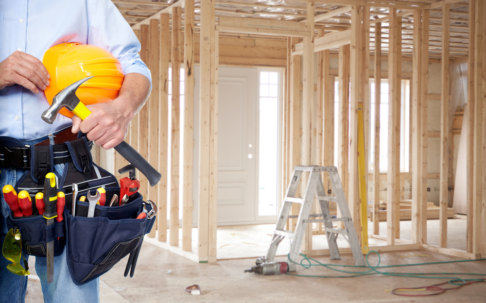 Problem Contractor? 4 Ways Your Property Management System Can Help