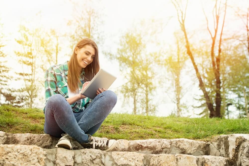 How to Attract Millennials and New College Students Into Your Leads Pipeline